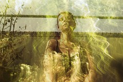354 | Goldherz (marmeladenboot) Tags: gold herz heart sonnenlicht licht light sunlight endofsummer sommersende sommer selbstportrait selfportrait digital marmeladenboot hoffnung hope traum dream dreamorreality whatisreal wasistwahr