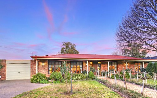 110 Dalkeith Avenue, Lake Albert NSW 2650
