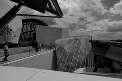 _DSC3964bw (durr-architect) Tags: roof sculpture paris france art glass museum architecture modern frank louis gallery terrace sails gehry foundation vuitton