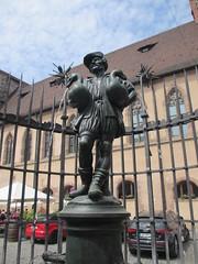 Goose man fountain in Nuremberg, Germany (Paul McClure DC) Tags: sculpture germany bayern deutschland bavaria nuremberg franconia historic franken nrnberg may2015