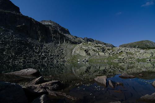 Tihoto lake up close /  ©  Still ePsiLoN