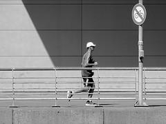 No Bikes (Daniel Coitio) Tags: bicicleta hombre corredor deportista baranda