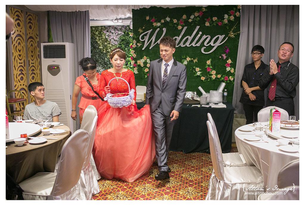 [婚攝] 信忠 & 莉雯 文定紀錄 // 台中星時代婚宴會館