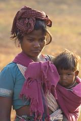 Baiga woman with child (wietsej) Tags: woman india zeiss child with 135 18 za sonnar chhattisgarh minoltadynax7 13518 bhoramdeo baiga kawardha wietsejongsma