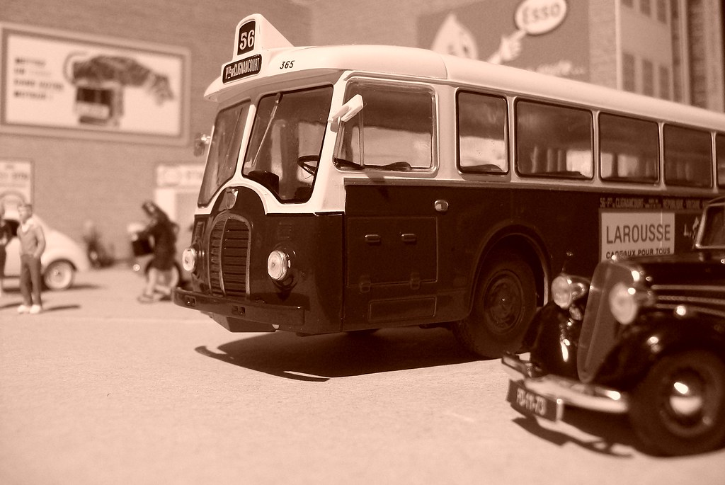 The world 39 s best photos of autobus and somua flickr hive for Garage renault colombes