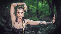Shooting - Lady Doll - Tribal 001 (Thomas Mathues) Tags: lady doll shooting photoshoot model portrait outdoor forest river belgium belgique tribal dance belly danse ventre tattoo girl woman dark