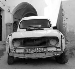 Renault 4 van. Kairouan Tunisia North Africa. (James Holme) Tags: renault4 renault kairouan tunisia northafrica