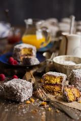 IMG_9224_exp-2 (Helena / Rico sin Azcar) Tags: lamington vanilla vainilla mermelada chocolate jam coconut coco australia bizcocho