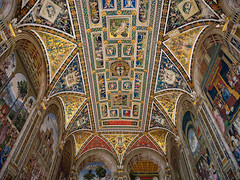 pinturicchio frescoes (Sabinche) Tags: frescoe piccolominilibrary sienacathedral cathedral siena tuscany italy pinturicchio ceiling olympus sabinche