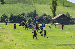 """Playing the """"Hornusse"""" game in Switzerland (Ulrich Burkhalter) Tags: 20160806 droeschfest grindelwald hornusse lauterbrunnen sigriswil imgp72552pedited1"""