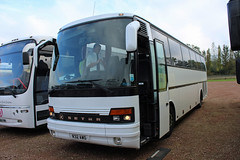 Blowfield, Oxford R32 AWO, Setra S250 in Cheltenham (majorcatransport) Tags: oxfordshirebuses blowfieldoxford setra setras250 cheltenham