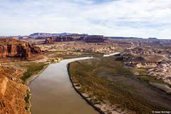 Looking Down on the Colorado River (isaac.borrego) Tags: desert mesa canyon rocks glencanyon recreationarea utah canonrebelt4i coloradoriver