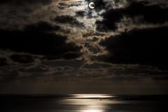 SUPERMOON (T.Miravalles) Tags: supermoon bermeo longexposure largaexposicin gaua superluna mar nubes agua itsasoa canon7d markii 1585mm elplored explore20161118 explore inexplore