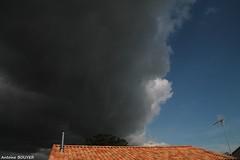 Un ciel trs contrast ! (antoinebouyer) Tags: contraste bleu noir temps mto cloud sky nuage ciel