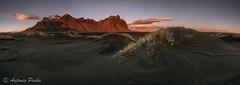 Luz sobre Stokksnes (Antonio Puche) Tags: antoniopuche paisaje landscape montaa mountain luz light luzsobrestokksnes stokksnes islandia iceland atardecer sunset nikon nikond800 nikon17352 8ic panormica