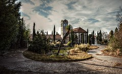 Priced below market value (builder24car) Tags: abandoned oncewashome leftbehindandforgotten urbanexploration mansion ruraldecay urbex