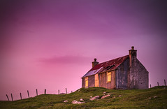 House on the HIll, Seilabost (kadrummo) Tags: abandoned sunrise island redsky harris outer hebrides lightstalkers seilabost