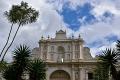 _DSC0142 (lnewman333) Tags: sky church latinamerica architecture clouds highlands cathedral guatemala religion historic unesco worldheritagesite antigua palmtree plazamayor centralamerica parquecentral 1541 saintjosephcathedral spanishcolonialcity