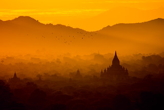 Sunrise over the temples of Bagan - Myanmar