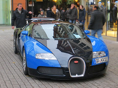 Bugatti Veyron (p3cks57) Tags: blue black london cars noir bleu bugatti w16 supercars veyron worldcars hypercars