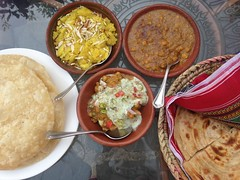 Desi Nasta | Local Breakfast | 😊🍴🍲🍛🍞☕️ (Samrah Shahid) Tags: travel photography restaurant village outdoor gettyimages foodie islamabad halwa foodphotography travelphotography desifood nashta saidpur despardes samoosachaat