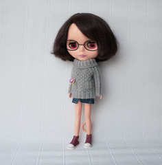 new sweater for Bloomy (volnaaa) Tags: grey sweater knitting handmade knit blythe adg