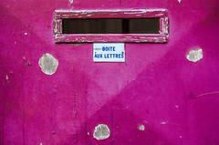 Bote aux lettres rose (sensipix) Tags: bote lettres rose mnilmontant paris
