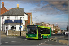 Southern Vectis 2710, Terminus Road, Cowes (Jason 87030) Tags: cowes one 1 newport terminusroad green weather canon eos 50d holiday 2016 light sky clouds october road hill view scene go hw64axa 2710 redone enviro e200 iow island isleofwight uk england greatbritain new change southernvectis