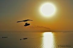 Polaris_Motor_Kuwait_2016-14 (PolarisMotor) Tags: flyinginflatableboat volare fly pendulaire flexwing microlight  poweredhangglider polarismotor gubbio madeinitaly gommonevolante deltaplanoamotore    voar lapuestadelsol prdosol  sonnenuntergang   tramonto sunset coucherdusoleil   solnedgng honghn  fib