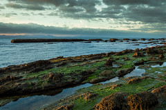 Origen (J13Bez) Tags: 1020mm agua amanecer costa d3200 estrecho guadalmesi mar rocas rock sea coast clouds verde algas marea roca