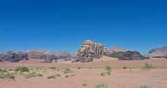 Wadi Rum # 2 (schreibtnix) Tags: reisen travelling jordanien jordan landschaft landscape wste desert wadirum felsen rocks himmel sky blau blue olympuse5 schreibtnix