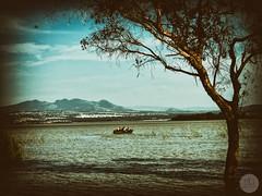 DE PASEO (Gabriel Contreras Tzintzun) Tags: lago laguna atlangatepec turistas isla lancha turismo naturaleza entrenamiento tranquilidad paz descanso visitar vacacionar familia