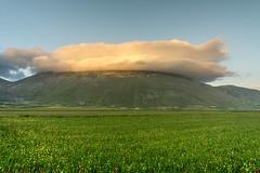 Monte Redentore 2016 (Francesco_Finocchiaro) Tags: lenticolare nube monte sibillini umbria italia paesaggistico paesaggio panoramica outdoor workshops fotocorsi landscape nuvole nuvola redentore norcia castelluccio