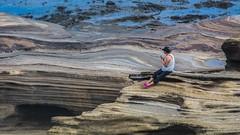 Rock (Oliver Leveritt) Tags: nikond7100 afsdxvrnikkor18200mmf3556gifed oliverleverittphotography hawaii oahu woman rock