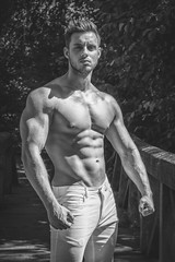 Shooting Jordan (août 2016) (Vision Factory) Tags: bw black blackandwhite boy hot jordan male man nb noiretblanc outdoor shirtless shooting white muscle sun