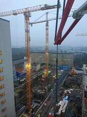 Sdersjukhuset (skumroffe) Tags: sdersjukhuset ss baustelle bygge byggarbetsplats construction constructionsite cranes gruas kranen grues kranar lyftkranar liebherr tornkranar turmdrehkranen turmkranen torenkranen byggkranar sdermalm stcokholm sweden binsellistockholm binsell towercranes