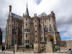 Palacio Episcopal de Astorga (Gaudí), León, Spanien (Anne O.) Tags: 2016 astorga castillayleón spanien caminodesantiago gaudí