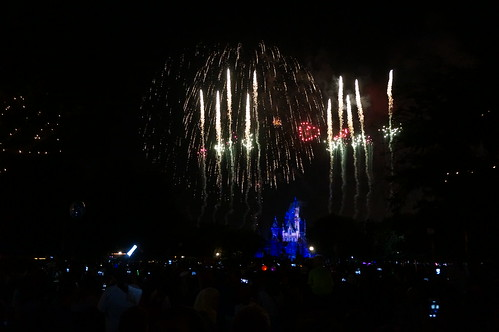 "Disneyland Fireworks • <a style=""font-size:0.8em;"" href=""http://www.flickr.com/photos/28558260@N04/20502900189/"" target=""_blank"">View on Flickr</a>"