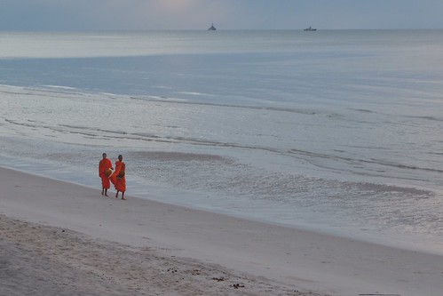 Walking monks @Hua Hin