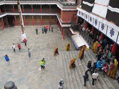 "Shigatse: Ta Shi Lhun Po Monastery <a style=""margin-left:10px; font-size:0.8em;"" href=""http://www.flickr.com/photos/127723101@N04/22106805318/"" target=""_blank"">@flickr</a>"