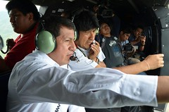 Ministro Snchez acompaa al Presidente en sobrevuelo de inspeccin a la carretera Entre Ros - Palos Blancos (Ministerio de Hidrocarburos y Energa) Tags: evomorales ministrosanchez entrerios palosblancos