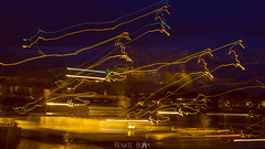 Light-Giraffen in Königswinter (Renate Bomm) Tags: koenigswinter light painting city night blauestunde fähre drehen lampen strahler rhein longexposure langzeitbelichtung somethingblue renatebomm felana longexposer thegoldengallary goldengallary ligths golden oro dusk dämmerung weather flickrunitedaward coloursoftheworld beautifulcapture goldenvisions visiongroup thegoldendreams advent vorweihnachtszeit weihnachtsmarkt lights