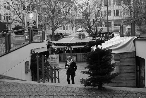"Auf dem Alten Markt (06) BW • <a style=""font-size:0.8em;"" href=""http://www.flickr.com/photos/69570948@N04/23710098321/"" target=""_blank"">View on Flickr</a>"