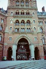 St. Pancras Station (*weii) Tags: contax t3 compactcamera 135film motionpicturefilm kodak england uk vision250d 2015 rail station building stpancras