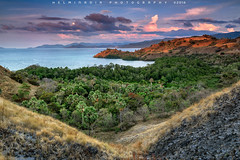 Ocean View with beautiful Light (Helminadia Ranford) Tags: labuanbajo travel westflores indonesia sunset