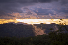 Great Smoky Mountain Sunset (ryanjohns821) Tags: sunset great smoky mountains mountain pigeon forge tennessee fog clouds trees forest nature sky tree green autumn fall light landscape