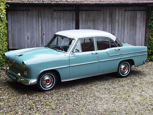 Simca Versailles V8 (1956).