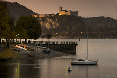 Lungolago Arona 26.10.16-0003 (Maurizio Piazzai) Tags: arona castellodiangera lago lagomaggiore lungolago