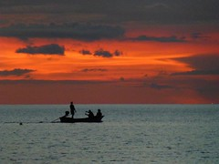 Sunset over The sea, thailand (Audrey.Hell) Tags: asia asie purple orange pink sunsetcolors colors fishetman woodboat thai thailande beach ocean sea sunset coucherdesoleil