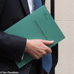 Autumn Statment 2016 - Philllip Hammond in Downing Street (Ian Davidson photographer Protected by PIXSY www.p) Tags: autumnstatment chancellor downingstreet finance phillliphammond secretaryofstate economicpolicy economics fiscalpolicy ministers political politics redbox treasury